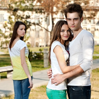 How to know if your boyfriend is dating another girl