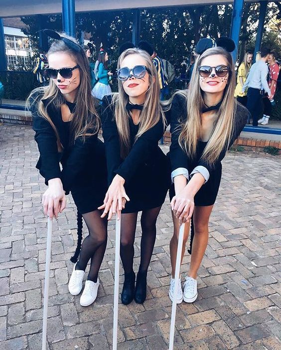Hit up the Halloween parties in style this fall with all your girls. Weu0027ve found some of the cutest looks from our fave films to iconic squads.  sc 1 st  GirlsLife & Top 10 Halloween costumes for your squad - GirlsLife