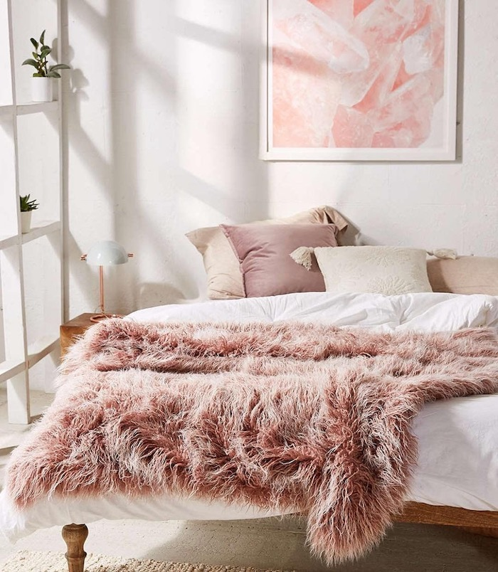 5 Chic Ways To Dress Up Your Room Using *faux* Fur
