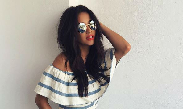 56a59e62238621 Let your shoulders soak up the sun in this summer trend - GirlsLife