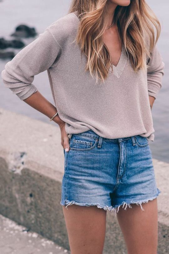 a150b68be983 Perfect outfits for  every  type of spring date - GirlsLife