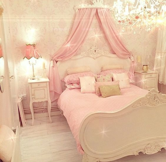 Posh Bedrooms For Girls Disney Princess Bedroom Accessories Bedroom Sets At Value City Bedroom Sets With Platform Beds: Love Beauty And The Beast ? Glam Up Your Room With This