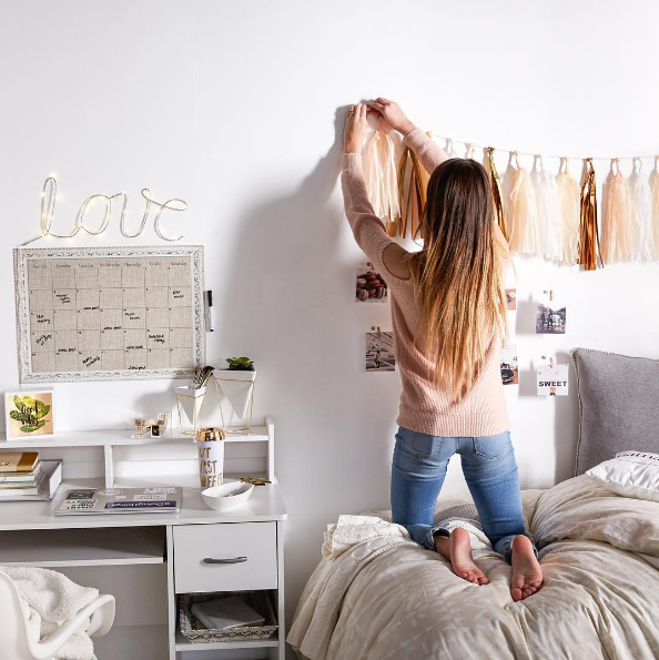 Every DIY To Make Your Bedroom Super Cozy + Cute