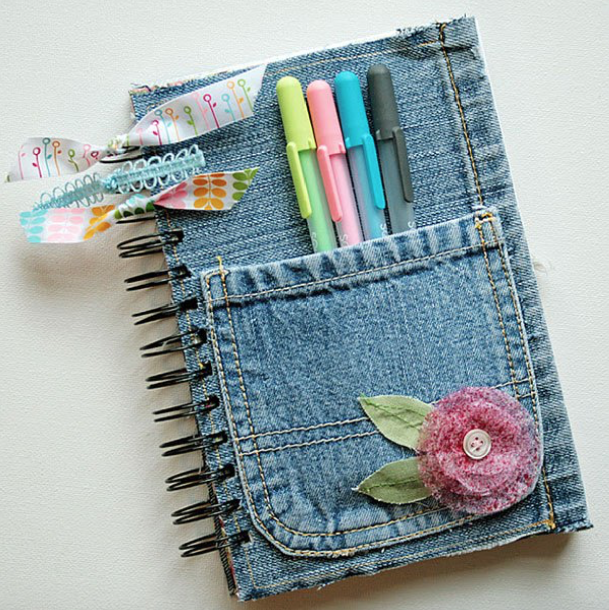 8 Easy Ways To Decorate Your Notebooks This School Year