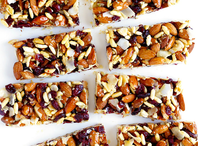 3 recipes to make your own protein bars at home - GirlsLife